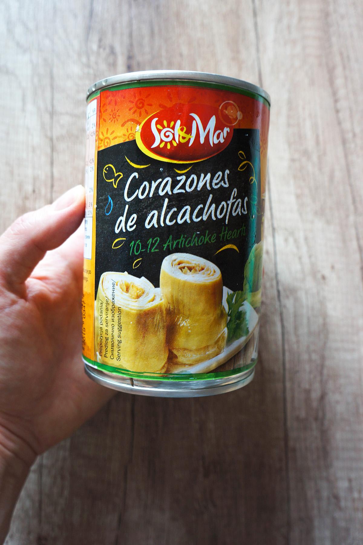 Ajdove palačinke s cvetačno omako in špinačno-artičokinim nadevom
