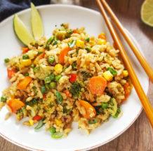 KLIK ZA FOTO:  Azijski pražen riž z zelenjavo