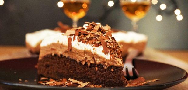 Čudovito  enostavna čokoladna mousse torta