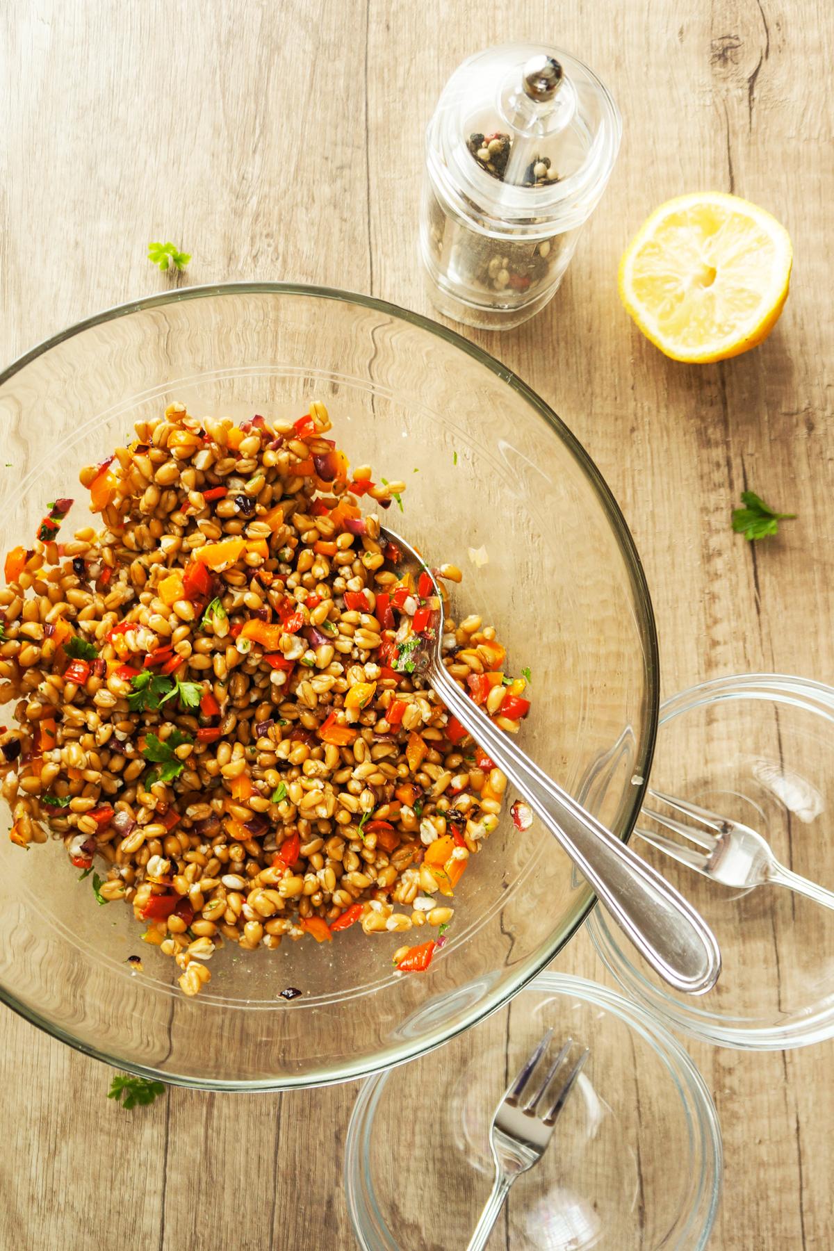 Farro s pečenimi paprikami