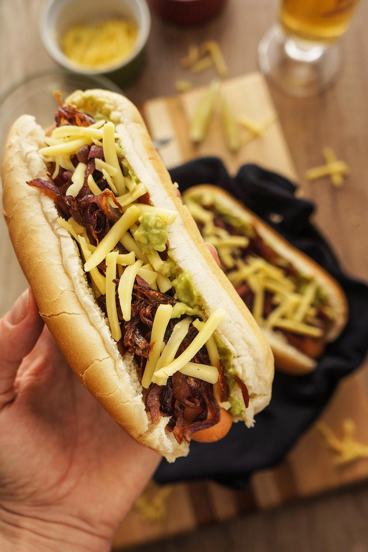 Hot dog z gvakamole omako