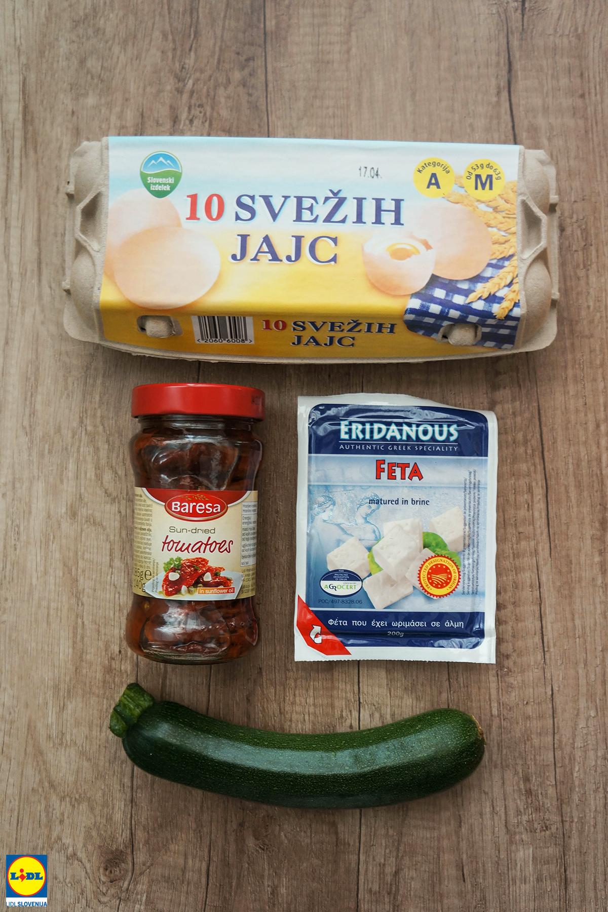 Jajčna omleta z zelenjavo in feto
