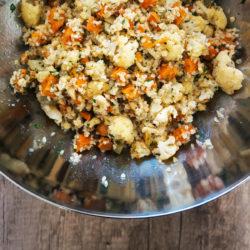 Jesenska solata s pečeno zelenjavo in bulgurjem