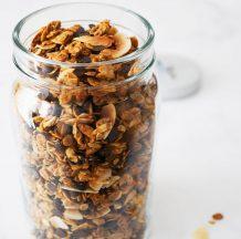 Arašidova granola s čokolado