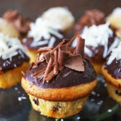Enostavni kolački s trojno čokolado (oz. simpl fancy krofi)