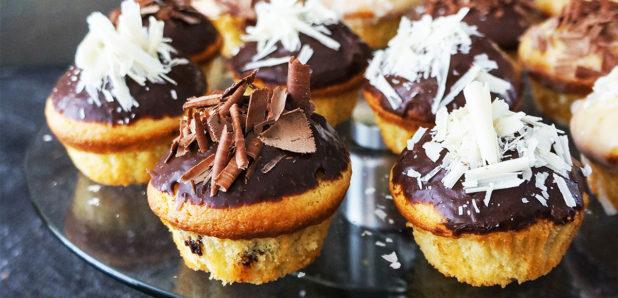 Enostavni kolački s trojno čokolado