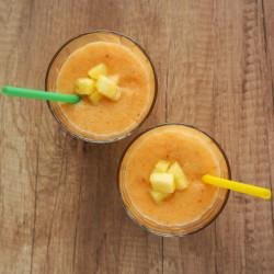 Ananasov smuti s korenjem
