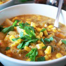 Kremna koruzna juha s krompirjem in bučko
