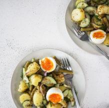 KLIK ZA FOTKO: Krompirjeva solata s stročjim fižolom in kumaro