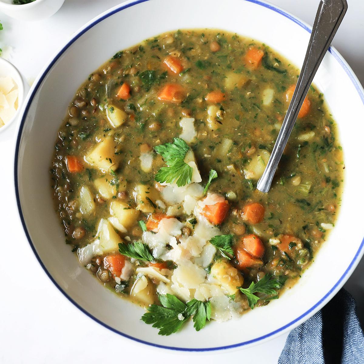 Kremna zelenjavna juha z lečo