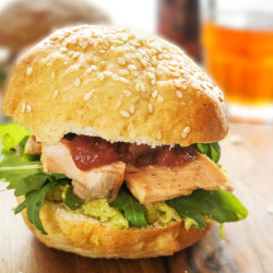 Burger z lososom