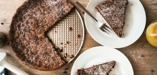 VIDEO: Čokoladna  mascarpone tortica brez moke