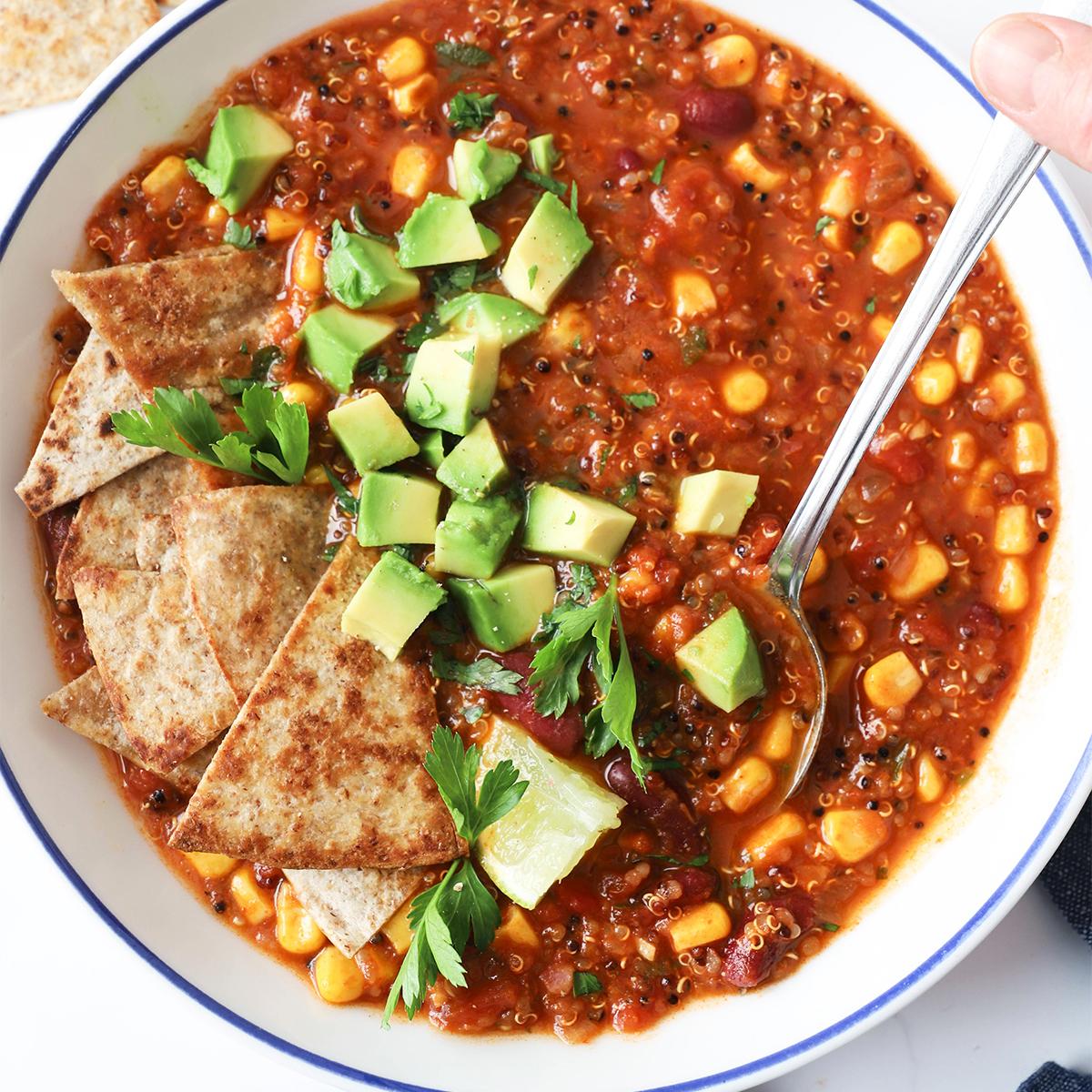 Zelenjavni mehiški čili s kvinojo