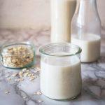Enostavno domače ovseno mleko