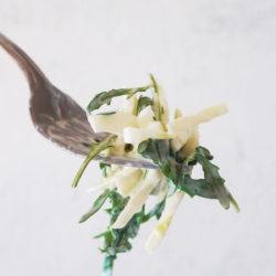 Coleslaw oz. osvežilna zeljna solata z jogurtovim prelivom