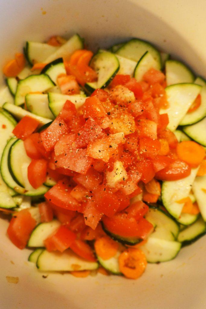 Polenta z rdečim fižolom in zelenjavo