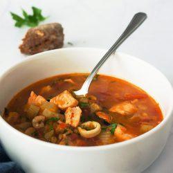 Fantastična ribja juha z veliko zelenjave
