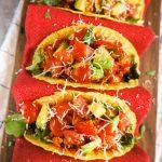 Takosi z mesno-zelenjavno omako in paradižnikovo-avokadovo salso
