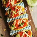 Takosi s krompirjevo-grahovo omako in paradižniki
