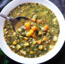 KLIK ZA FOTO: Kremna zelenjavna juha z lečo